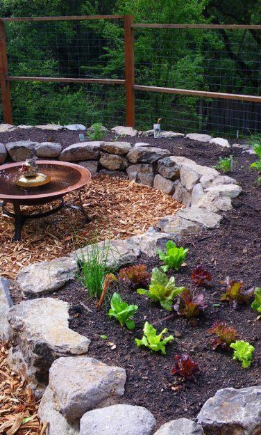 should-i-use-wood-chips-for-vegetable-garden-mulch-landscaping-vegetable-garden-garden-wood-l-822862f29dd5c163.jpg